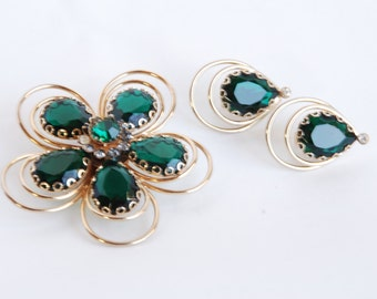 Vintage 1960's Green Brooch and Earring Set - Free Shipping