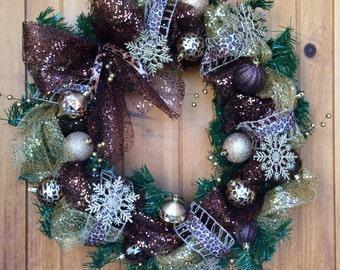 Cheetah Detail Pine Wreath
