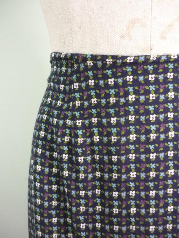 Vintage Express Maxi / Geometric Green, Purple, White, and Blue Floral / Navy Blue Grunge Column Skirt / Modern Size 6 to 8, Medium M