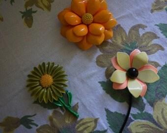 Vintage/Retro flower pins