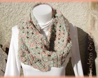 Double hand-knitted collar crochet pastel mohair and golden thread
