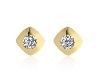 0.95 Carat Round Brilliant Cut Diamond Solitaire Stud Earrings 14K Yellow Gold