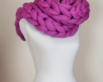 Infinity scarf, bulky scarf, chunky scarf, giant stitch natural merino wool giant scarf.