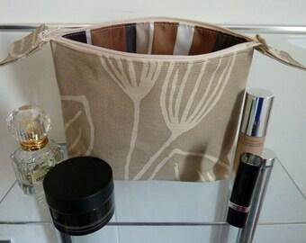 Striking Beige Tulip Design Cosmetics/Make-Up Bag