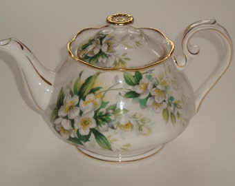 Royal Albert ORANGE BLOSSOM Medium Size Teapot