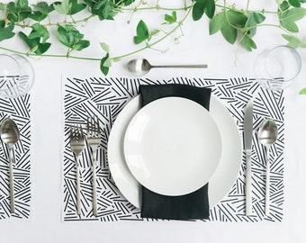 Placemats- Wedding Placemats- Black Placemats- white Placemats