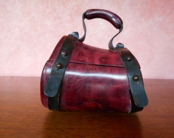 handbag wooden model pinbeche.  Rare