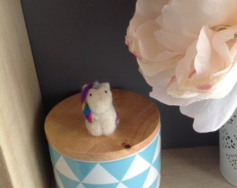 Mascot Unicorn in felted wool / needle Felted