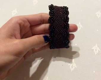 Beaded macrame bracelet square design