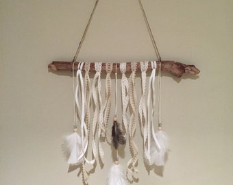 Dreamcatcher Natural Beige White Feathers Twine Sticks Beads