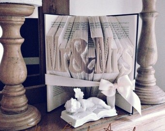 Mr&Mrs gift, wedding bookfold, keepsake, table decoration, wedding gift for bride and groom, first anniversary, top table decoration