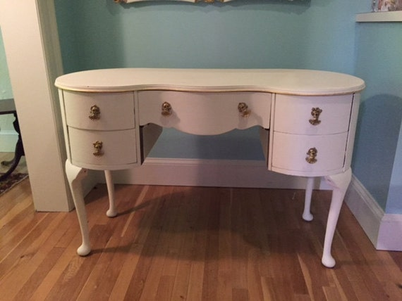 Shabby chic painted vintage desk mint condition