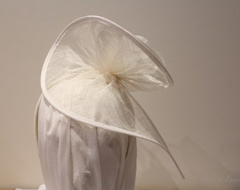Spiral sinamay white fascinator with feathers