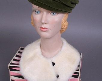 Green 60s velvet Hat