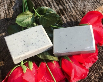 Charcoal Detox Soap, Fresh Cotton Scent made with activated charcoal, bentonite clay and poppy seeds 3-3.5oz per bar