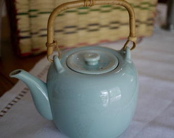 TAYLOR & NG Celadon Glaze Teapot - Japanese Chinese Style Teapot with Bamboo Handle