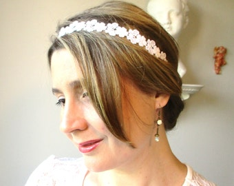 Bohemian Heaband wedding ceremony-lace white cotton-motif Butterfly-primers metal bronze.