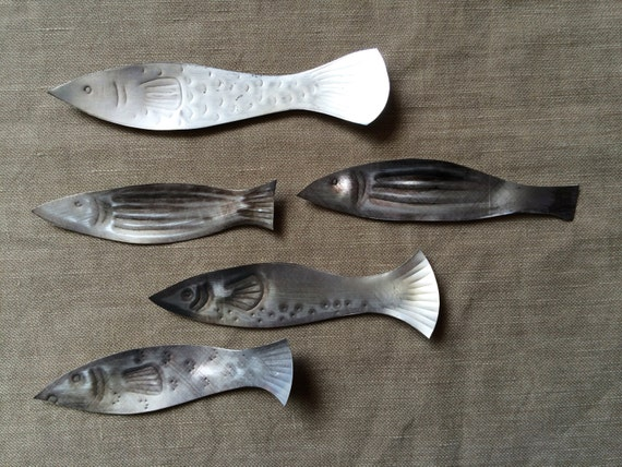 Five little fishies in a shoal