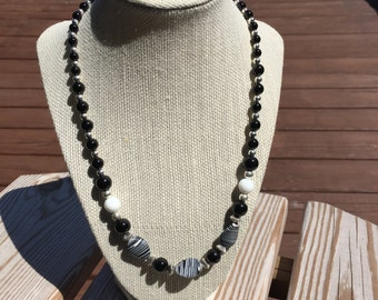 Black and White beaded necklace and matching earings