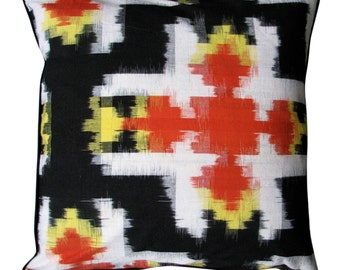 Decorative pillow–Bold Ikat