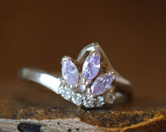 Light Purple And Clear Multi Gemstone Vintage Silver 925 Ring, US Size 9.0, Used