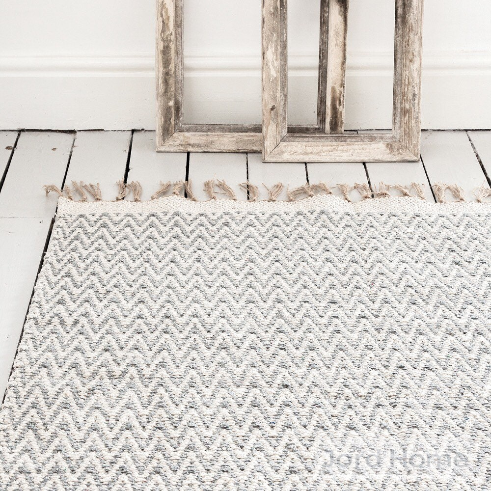Chevron Kitchen Rug: Grey Gray Geometric Chevron Rug / Handwoven Cotton / The Isa