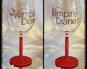 Vampire diaries glitter wine gass