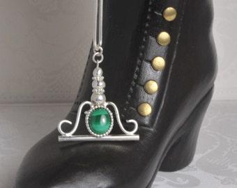 Victorian style pendant with green Malachite