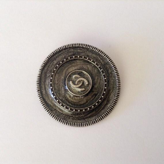 1x D26mm Authentic Chanel black enamel CC logo button large size