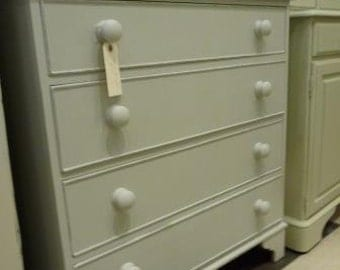 Vintage handpainted chest of drawers