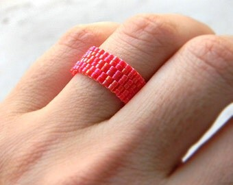 Red sparkle ring Red beaded ring Red seed bead ring Red minimalist ring Seed bead jewelry Red handmade ring Minimalist jewelry Sparkly ring