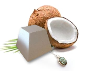 Crazy about Coconut Bathed in Jewels bath bomb