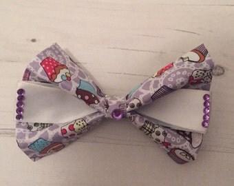 Purple cupcake bow