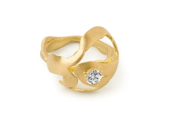 18 Kt Brushed Gold (or Platinum) with .31 ct VSII Diamond Ring