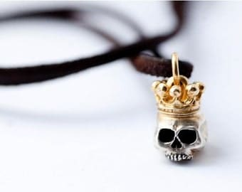 Skull pendant with Golden Crown