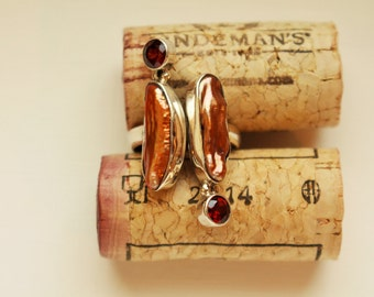 Brown Pearl with Garnet