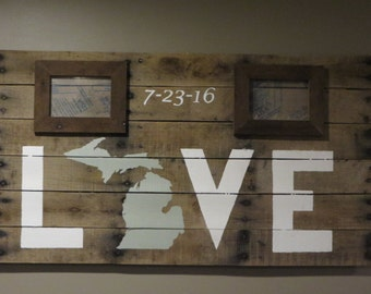 Michigan Love Pallet Wood Sign with Two 4 x 6 Picture Frames