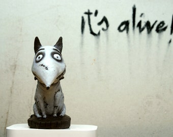 Frankenweenie Sparky /toys / sculpture / FIGURE / Dog / collectibles / action figures movie
