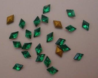 25 Emerald Diamond Shape Rhinestones 8x5mm