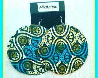 MIKAHNAH Ethnic Earring Set (large)