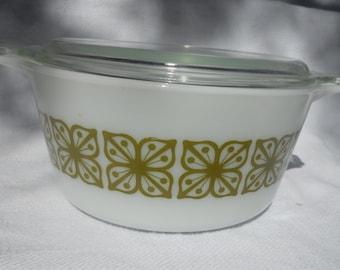 Vintage Pyrex Verde casserole  474