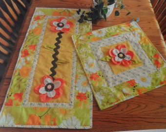 Pattern - Blooming Flowers Table Runner & Table Topper