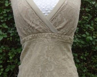 Gorgeous vintage champagne lace top, Size 8-10
