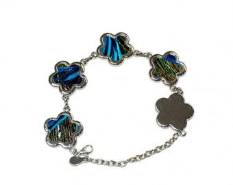 Bracelet charms to personalize flowers