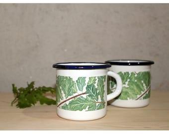 Cup of oak leaves