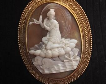 Victorian Cameo Brooch Greek Goddess Venus 9ct Gold