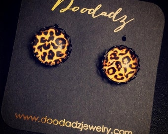Cheetah 12 mm earring studs