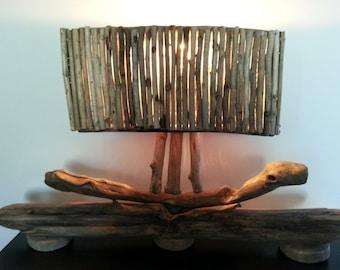 lampe tout en bois flotté