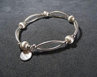 Bracelet satin atoms