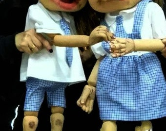 Personalized custom made puppets. Great realism in their movements,